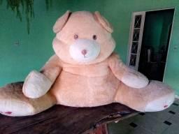 Urso de pelúcia gigante