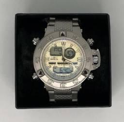 7ff5c708d Relógio Invicta com Pulseira Metálica e Caixa Metálica Prateada, com  Garantia Produto Novo