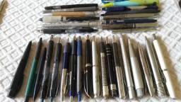 Coleção de canetas e lapiseiras