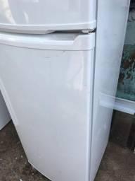 Geladeira consul 341 litros duplex sem uso leia o anúncio