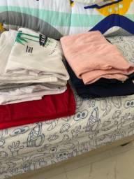 Trinta camisas infantis por 200 reais tudo