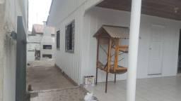 Casa no Boqueirão divisa com Hauer