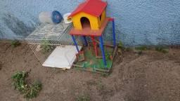 Doar playgraud e gaiola muito usada