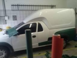 Plotagem de carros em geral adesivagem