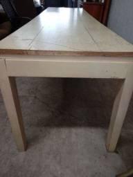 Mesa em madeira maciça. Apenas a mesa. 2,40 x 0,66 x 0,70A