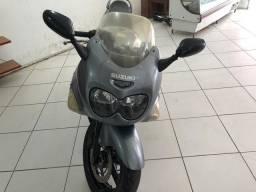 Moto GSXF 750 Suzuki