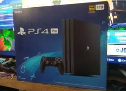 PlayStation 4 Pro 4K 1TB Modelo 7215B / 2 Meses de Uso