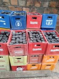 Vendo 27 caixas variadas de cascos de cerveja 600ml