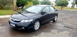 Honda Civic EXS Automático com Borboleta Muito Conservado