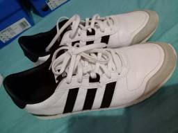 Tênis Adidas n38