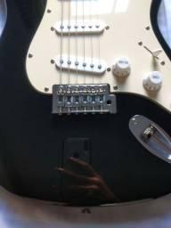 Guitarra R$400,00 no dinheiro