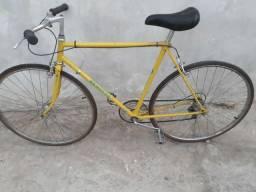 Bicicleta Renotto Amarela em ótimo estado zap na descrição