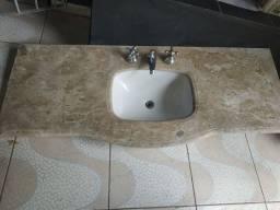 Pia de mármore usada.