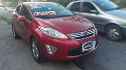 Fiesta sedan se super novo!  Financio