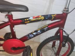 Bicicleta aro 16 Batman pouquissimo uso!