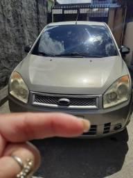 Ford Fiesta sedã