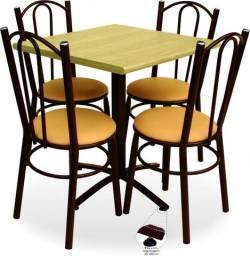 Conjunto Mesa com 4 cadeiras Mod. Torino / Benfati