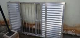 Janela em alumínio medindo 2,00 x 1,20 janela