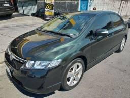 Honda Civic LXS em boas condições