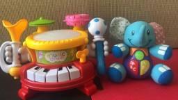 Kit bateria + chocalhos + elefantinho