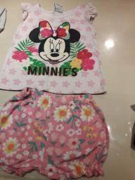 Conjunto short e blusa flores Tam 1 ano pouco usado Carters e Disney