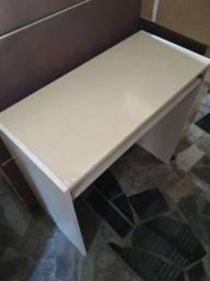 Mesa de computador cor : marfim