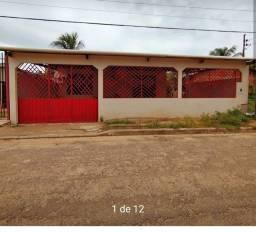 Vende-se uma casa  R$215.000