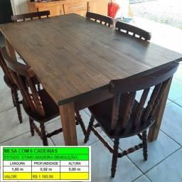 Mesa em madeira de demolição com cadeirad