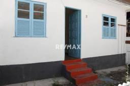 Título do anúncio: Casa com 2 dormitórios para alugar, 50 m² por R$ 850,00/mês - São Pedro - Teresópolis/RJ