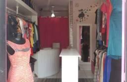 Título do anúncio: Vende-se mobliario e roupas para loja