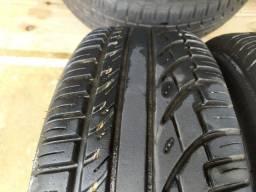 2 pneus remolds 195/60r15 praticamente novos não rodaram nem 1000 km