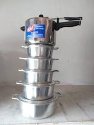 Jogo de 5 panelas de alumínio batido com as tampas 16 a 24+panela de pressão 4,5