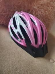 Capacete de ciclista feminino