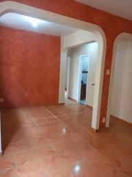A RC+Imóveis vende um excelente apartamento no centro de Três Rios - RJ