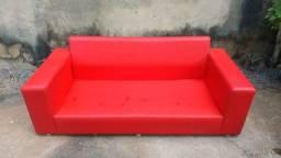 Vendo sofá vermelho ACEITO PROPOSTA TAMBÉM.
