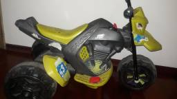 Moto 12 volts