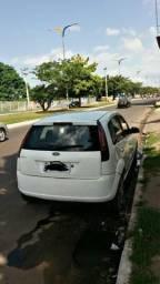 Fiesta hatch 2004 completo - 2004