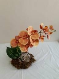 Arranjo floral orquídea (artificial)