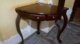 Mesa de canto em madeira