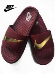 Chinelo Nike Benassi Unissex Verão 2019 Bordô Confortável Novo