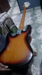 Vendo Guitarra e Baixo por 800 reais