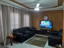 Casa no Nobreville 2 suítes e piscina estuda permuta Limeira