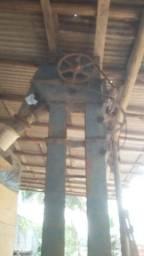 Elevador de canecas