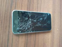 Celular iPhone SE