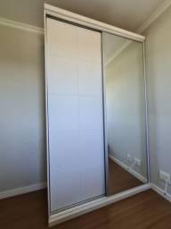 Guarda roupa branco espelhado impecável pouco usado
