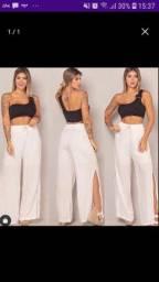 Pantalona com fenda lateral