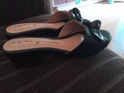 Sandália de saltinho