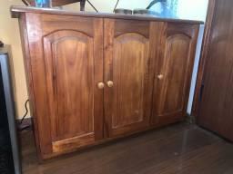 Armário de madeira maciça (preço negociável)