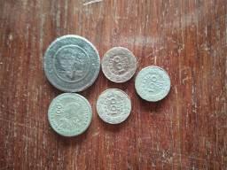 Vendo essas moedas antiga preço a combinar me chama no zap