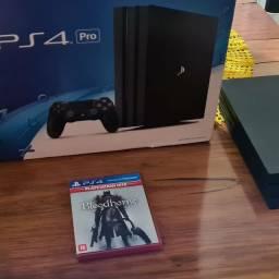 Console Playstation 4 1 tb - Preto acompanha caixa e o jogo BLOODBORNE <br><br>